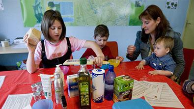 Faire des activités avec les enfants à la maison - ADEME